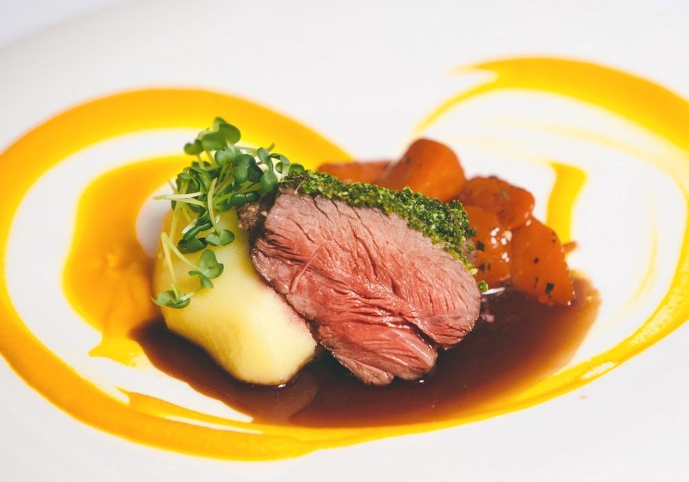 Polecana restauracja w Warszawie, restauracja Akademia