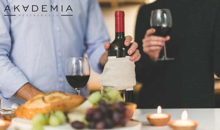 Jak dobrać alkohol do posiłku?