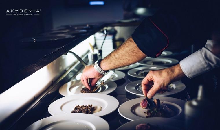 Międzynarodowy Dzień Szefa Kuchni – poznajcie Patryka Paszke!