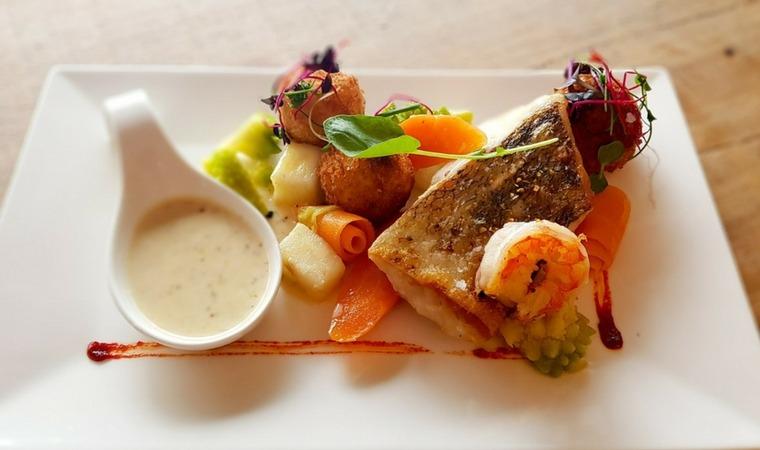 Ryby na talerzu – dlaczego warto je jeść?