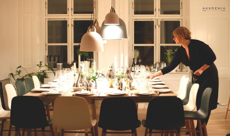Przyjęcie rodzinne w domu – jak je przygotować, żeby nie zwariować?