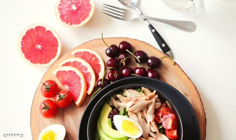 Zdrowa kolacja – co jeść, a czego unikać przed snem?