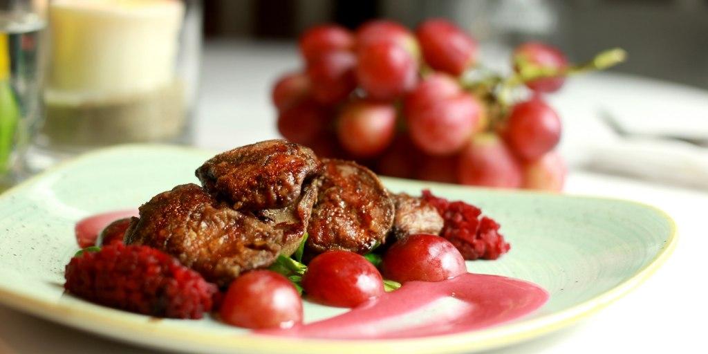 owoce na obiad - Restauracja Akademia