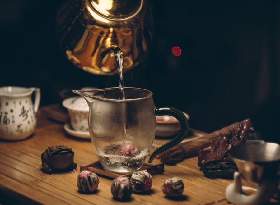 15.12 Dzień Herbaty – herbata nie tylko do picia. Historia, właściwości, rodzaje i inne zastosowania herbaty