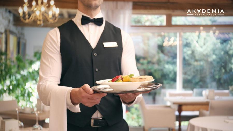 Być kelnerem – czy to praca z powołania, czy może być nim każdy? Kochaj to, co robisz, a będziesz najlepszy